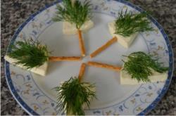 Pine Tree Cheese Canapes