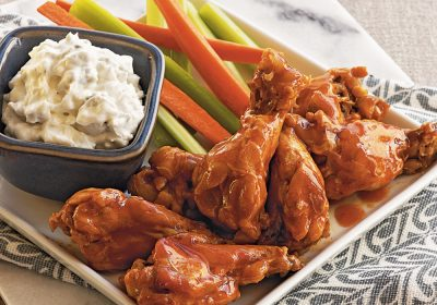 Buffalo Wings With Blue Cheese Dip